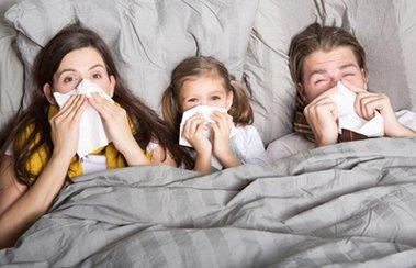 Лечимся правильно: какой спрей от простуды поможет справиться с инфекцией? | Деринат
