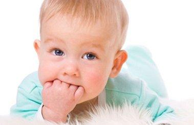 В помощь маме: чем лечить ОРВИ у ребенка в 4 месяца? | Деринат