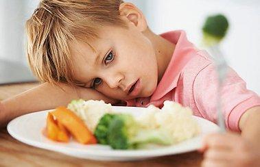 Ребенок с насморком плохо ест: что делать? | Деринат