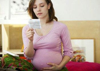 Таблетки и спрей от боли в горле при беременности: что безопасно для будущей мамы? | Деринат