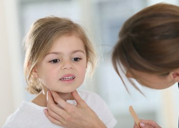 Спрей для горла для детей от 3 до 5 лет: что поможет справиться с простудой? | Деринат