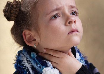 Деринат Сильная боль в горле у ребенка? Лечение нужно начинать сразу!