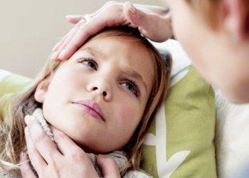 Деринат Красное отекшее горло у ребенка — повод обратиться к врачу!