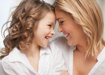 Маме на заметку: какое лекарство от больного горла поможет ребенку? | Деринат