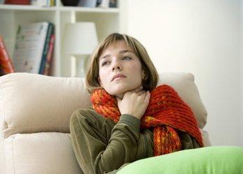 Антибактериальные спреи для горла: как выбрать и когда применять? | Деринат