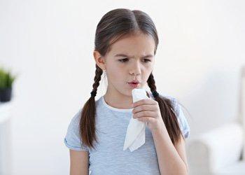 Действенные средства от простуды: чем лечить детей? | Деринат