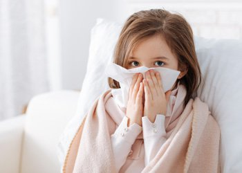Как лечить насморк у ребенка без других симптомов ОРВИ? | Деринат