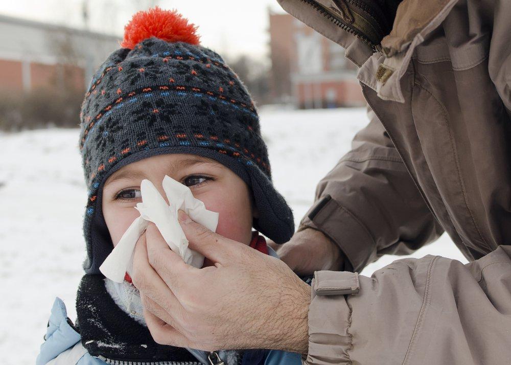Можно ли чихать на насморк? | Деринат