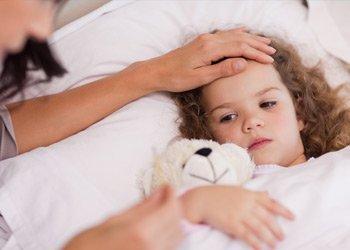 Деринат Что делать родителям, если при ОРВИ у ребенка слабость и потливость?