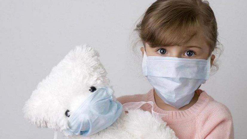 Как уберечь ребенка от простуды, если кто-то из членов семьи заболел?