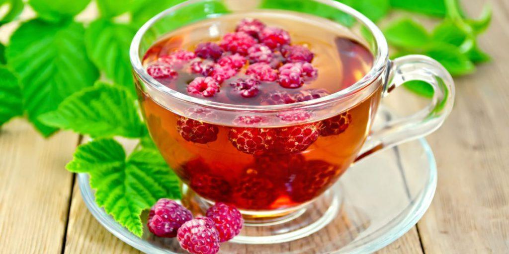 Чай с малиной при простуде у ребёнка