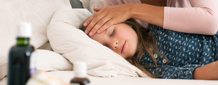Как поднять иммунитет ребёнку, часто болеющему ОРЗ, с помощью лекарственных средств?